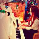 Female Pianist And Singer 107114